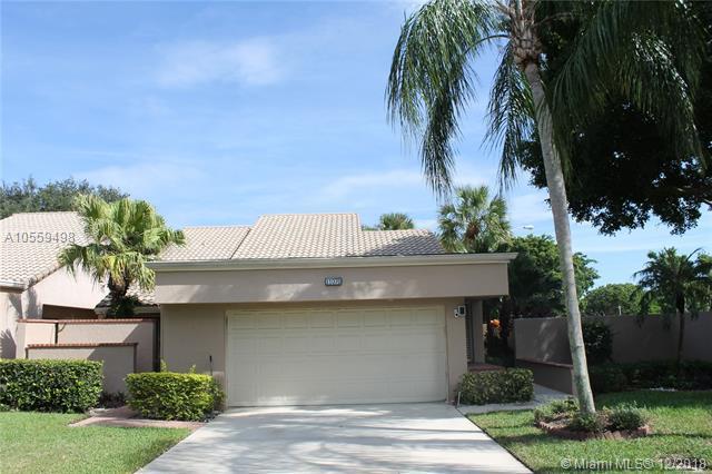 11070 Applegate Cir, Boynton Beach, FL 33437 (MLS #A10559498) :: Miami Villa Team