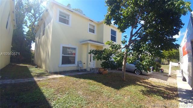 817 Latona Ave, Lake Worth, FL 33460 (MLS #A10560571) :: Miami Villa Team