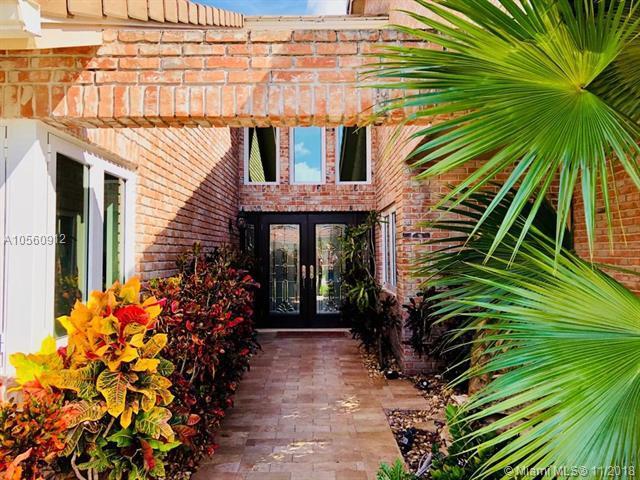 1218 SE 15th Ave, Deerfield Beach, FL 33441 (MLS #A10560912) :: Green Realty Properties