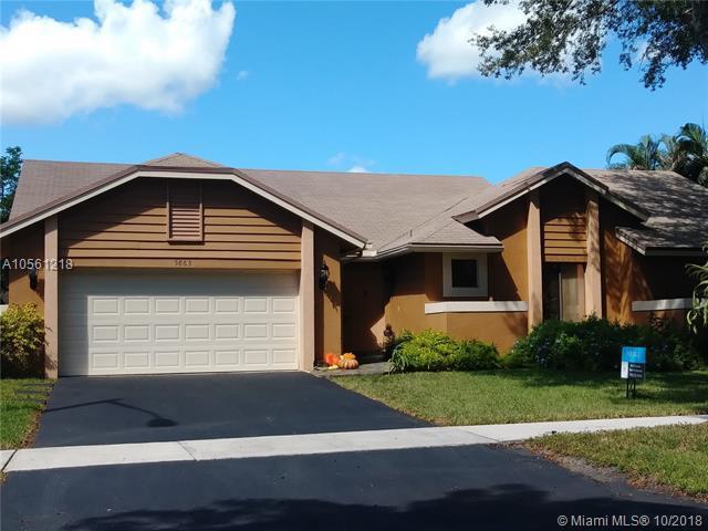 5863 SW 89th Ter, Cooper City, FL 33328 (MLS #A10561218) :: Green Realty Properties