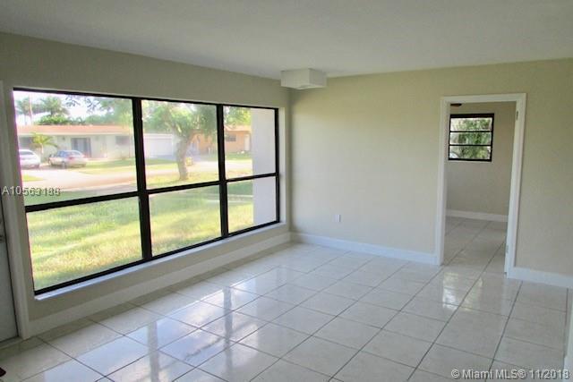 3907 Tuskegee Dr, Lantana, FL 33462 (MLS #A10563188) :: Green Realty Properties