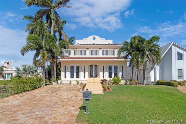741 N Southlake Dr, Hollywood, FL 33019 (MLS #A10568539) :: Grove Properties