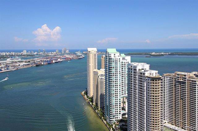 Miami, FL 33131 :: Ray De Leon with One Sotheby's International Realty