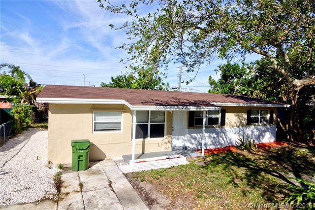 1513 NW 18th Ct, Fort Lauderdale, FL 33311 (MLS #A10570986) :: The Teri Arbogast Team at Keller Williams Partners SW