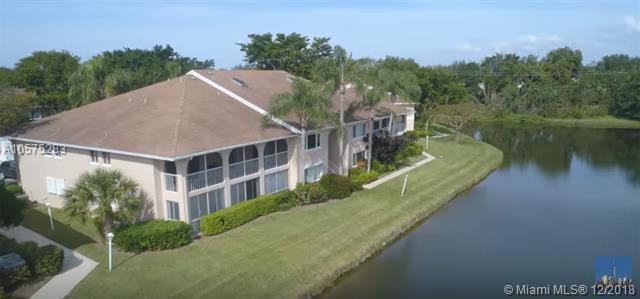 13831 Oneida Dr D2, Delray Beach, FL 33446 (MLS #A10575283) :: The Paiz Group