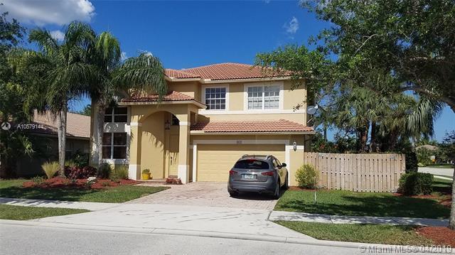 4032 Sapphire Cv, Weston, FL 33331 (MLS #A10579144) :: The Paiz Group