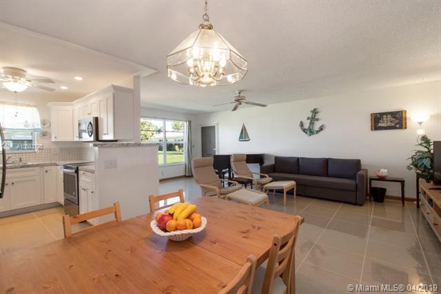 3240 Park Lane C, Boynton Beach, FL 33435 (MLS #A10583798) :: Grove Properties