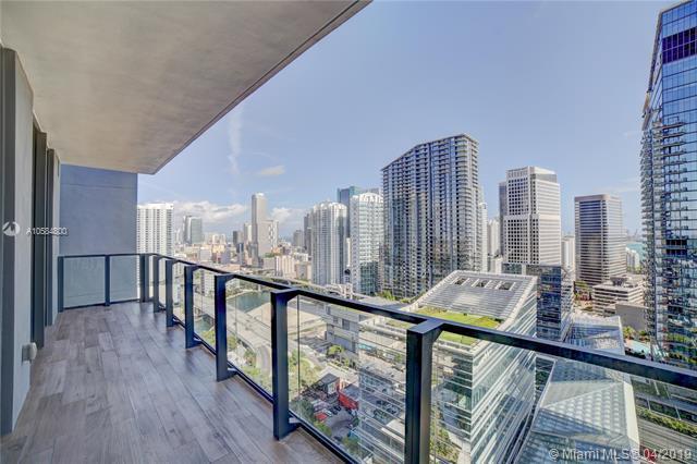 88 SW 7 Street #2405, Miami, FL 33130 (MLS #A10584800) :: The Brickell Scoop