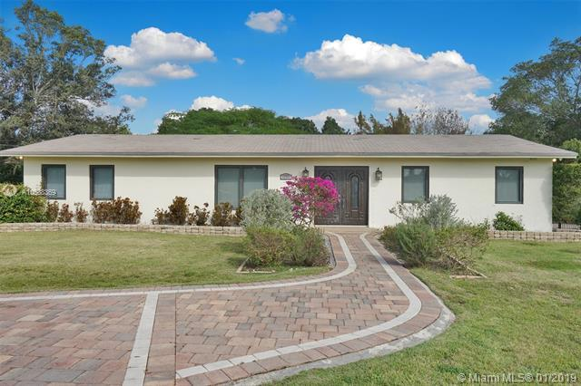 17771 SW 51st St, Southwest Ranches, FL 33331 (MLS #A10588369) :: The Teri Arbogast Team at Keller Williams Partners SW