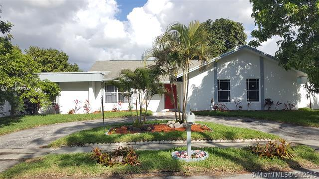 6311 SW 7th Ct, Margate, FL 33068 (MLS #A10589846) :: The Teri Arbogast Team at Keller Williams Partners SW