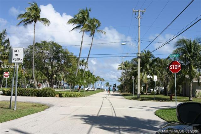 2624 N Ocean Blvd, Fort Lauderdale, FL 33308 (MLS #A10593535) :: The Teri Arbogast Team at Keller Williams Partners SW