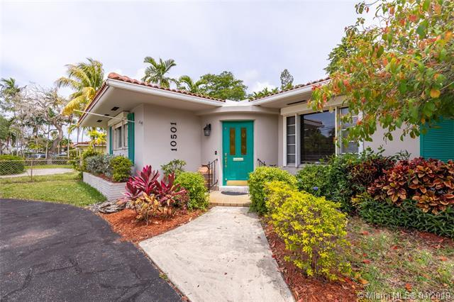 10501 NE 2nd Ave, Miami Shores, FL 33138 (MLS #A10595842) :: The Adrian Foley Group