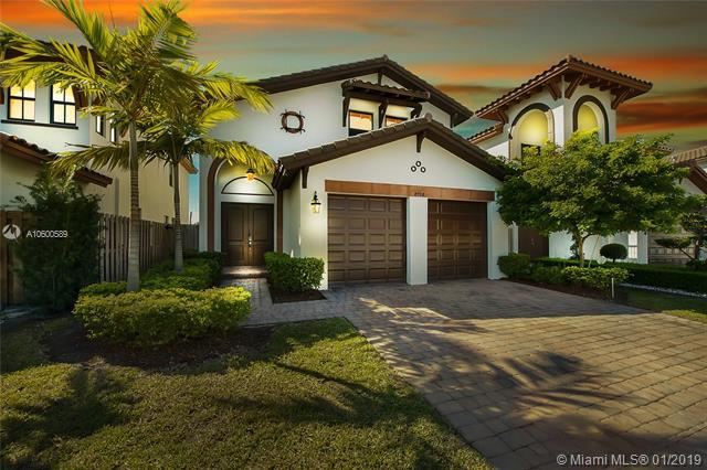 8708 NW 103rd Ave, Doral, FL 33178 (MLS #A10600589) :: The Teri Arbogast Team at Keller Williams Partners SW