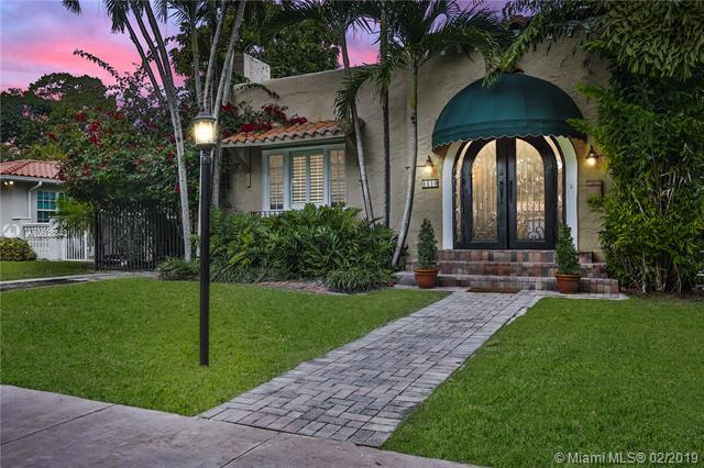1119 Obispo Ave, Coral Gables, FL 33134 (MLS #A10608843) :: The Jack Coden Group