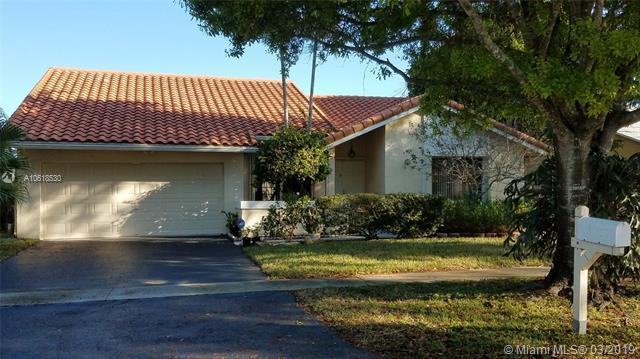 10307 NW 6th St, Plantation, FL 33324 (MLS #A10618530) :: RE/MAX Presidential Real Estate Group