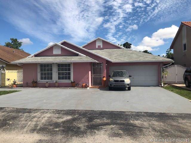 18853 NW 77th Ct, Hialeah, FL 33015 (MLS #A10619330) :: Grove Properties