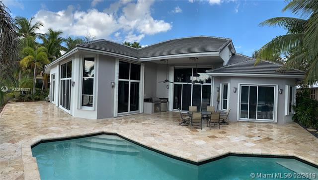 2677 Cypress Lane, Weston, FL 33332 (MLS #A10619337) :: United Realty Group