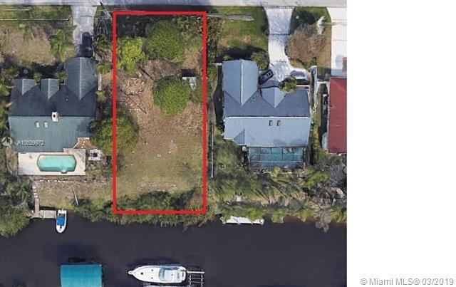632 SE Seahouse Drive, Port Saint Lucie, FL 34983 (MLS #A10629972) :: Grove Properties