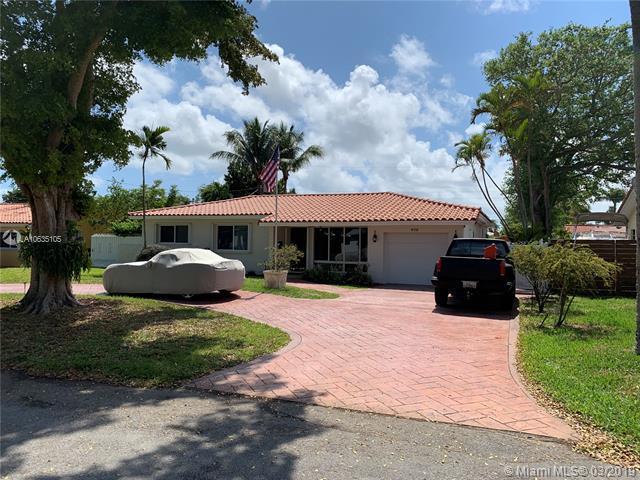 470 NW 88 Terrace, El Portal, FL 33150 (MLS #A10635105) :: Grove Properties