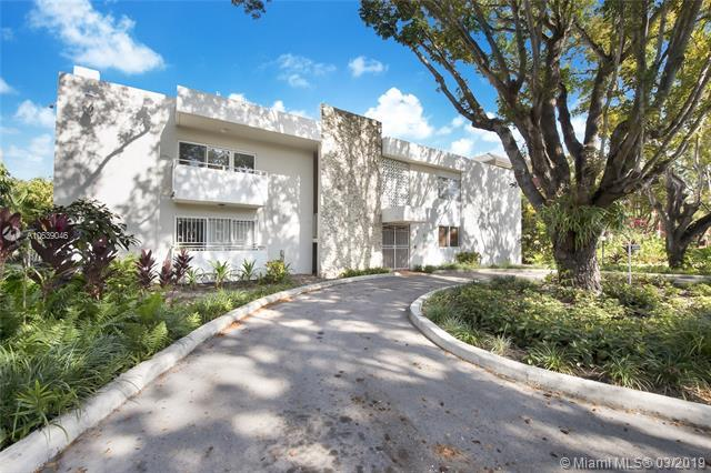 1235 Mariposa Ave #3, Coral Gables, FL 33146 (MLS #A10639046) :: The Maria Murdock Group