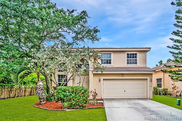 310 NW 115th Way, Coral Springs, FL 33071 (MLS #A10642061) :: Green Realty Properties