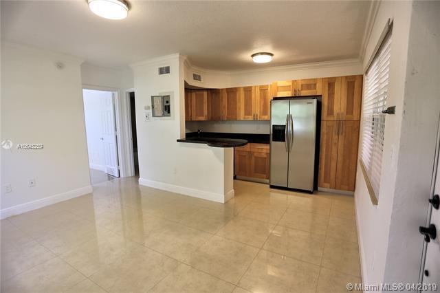 660 NE 11th Ave #107, Fort Lauderdale, FL 33304 (MLS #A10643259) :: Berkshire Hathaway HomeServices EWM Realty