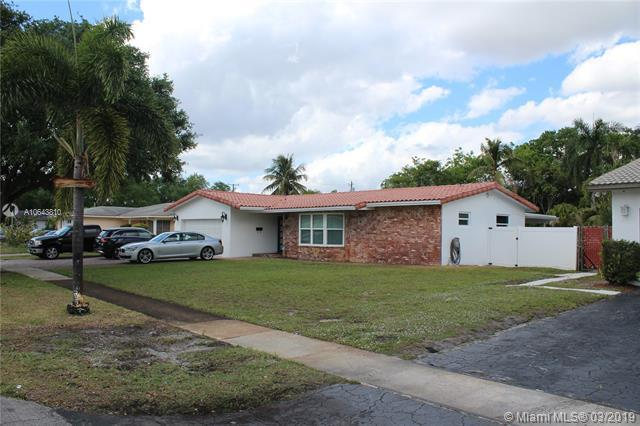 4521 NW 7 ST, Plantation, FL 33317 (MLS #A10643810) :: The Teri Arbogast Team at Keller Williams Partners SW