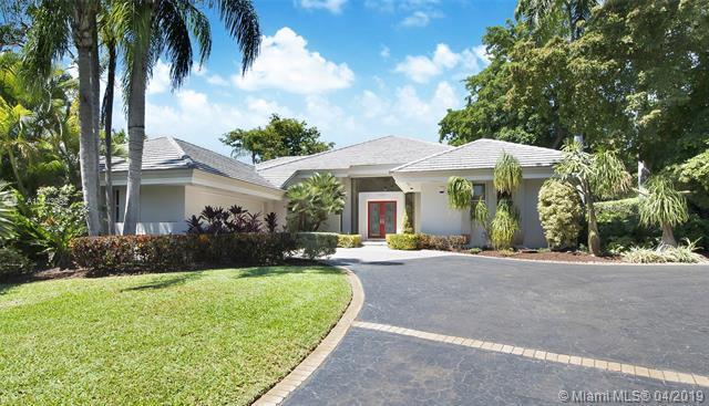 7100 W Lago Dr, Coral Gables, FL 33143 (MLS #A10643962) :: The Maria Murdock Group