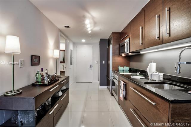 465 Brickell Ave #3804, Miami, FL 33131 (MLS #A10655759) :: The Riley Smith Group