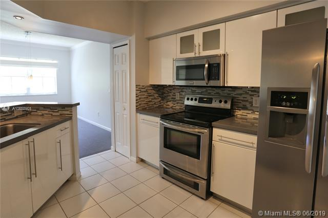 3245 NE 184 ST 13-209, Aventura, FL 33160 (MLS #A10658901) :: Berkshire Hathaway HomeServices EWM Realty