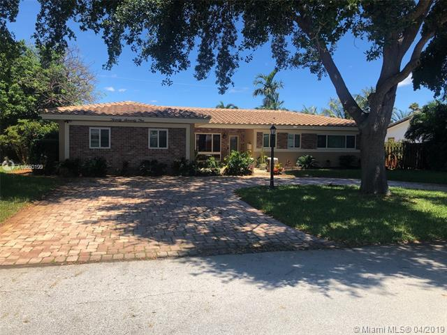 2071 NE 27th St, Lighthouse Point, FL 33064 (MLS #A10660199) :: Castelli Real Estate Services
