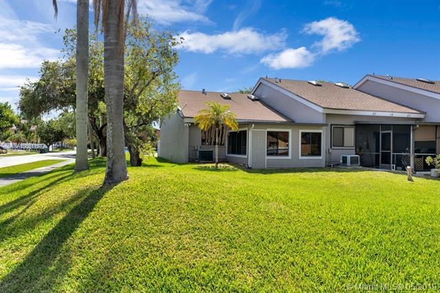 400 SE 7th Street #400, Dania Beach, FL 33004 (MLS #A10661197) :: Grove Properties