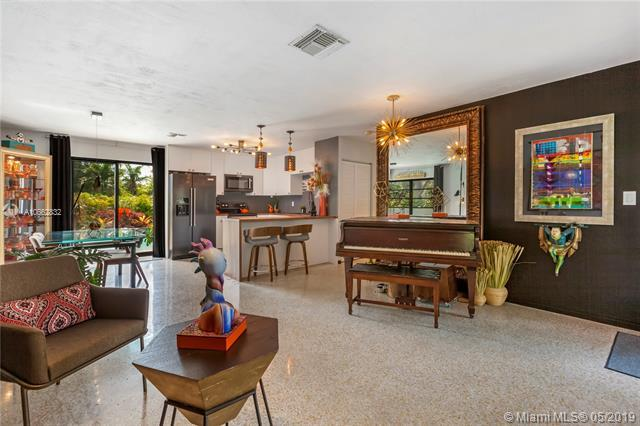 2424 NW 8th Ave, Wilton Manors, FL 33311 (MLS #A10662832) :: RE/MAX Presidential Real Estate Group