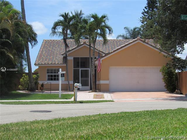 3702 S Lancewood Pl, Delray Beach, FL 33445 (MLS #A10665697) :: Grove Properties