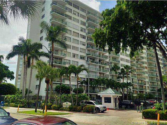1408 Brickell Bay Dr #617, Miami, FL 33131 (MLS #A10665867) :: Ray De Leon with One Sotheby's International Realty