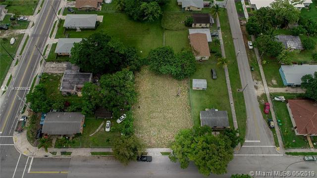 17635 SW 104th Ave, Miami, FL 33157 (MLS #A10666942) :: Grove Properties