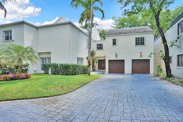 20261 W Oak Haven Circle, Miami, FL 33179 (MLS #A10667878) :: The Brickell Scoop