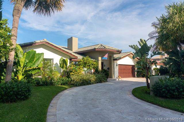 4440 NE 29th Ave, Lighthouse Point, FL 33064 (MLS #A10670570) :: Ray De Leon with One Sotheby's International Realty