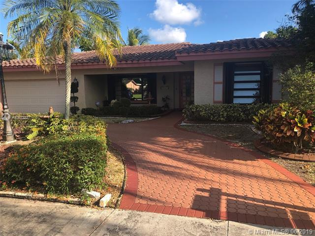 4918 Cleveland St, Hollywood, FL 33021 (MLS #A10672237) :: Green Realty Properties