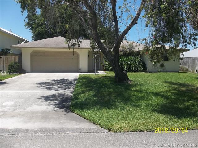 8121 SE Helen Ter, Hobe Sound, FL 33455 (MLS #A10676854) :: Grove Properties