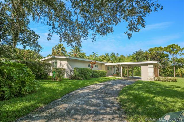 8100 SW 133rd St, Pinecrest, FL 33156 (MLS #A10688800) :: The Adrian Foley Group