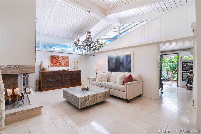 2811 NE 41st St, Fort Lauderdale, FL 33308 (MLS #A10689251) :: Ray De Leon with One Sotheby's International Realty