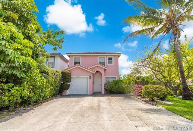 4330 Woodside Dr, Coral Springs, FL 33065 (MLS #A10694542) :: Grove Properties