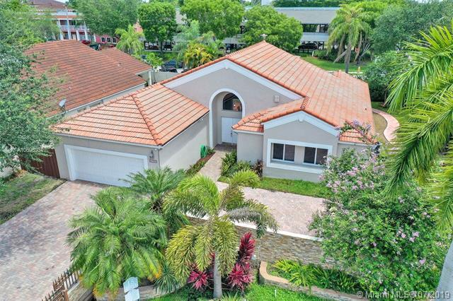 11707 SW 90th Ter, Miami, FL 33186 (MLS #A10696934) :: Green Realty Properties