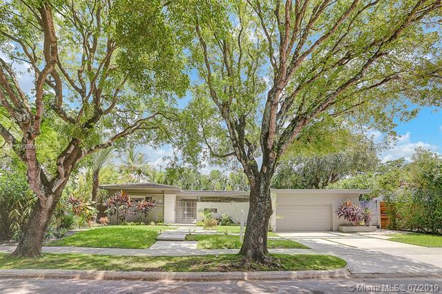 730 NE 76th St, Miami, FL 33138 (MLS #A10698616) :: Ray De Leon with One Sotheby's International Realty