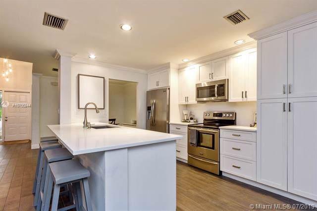 2137 NW 45th Ave #524, Coconut Creek, FL 33066 (MLS #A10700244) :: Berkshire Hathaway HomeServices EWM Realty