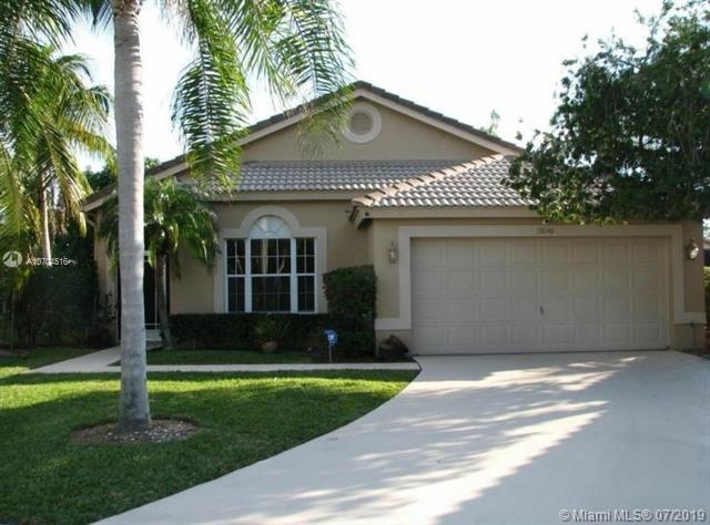 13040 Sheridan Terrace, Wellington, FL 33414 (MLS #A10704516) :: Green Realty Properties
