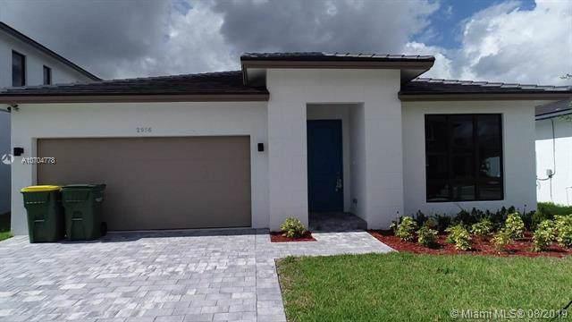 2956 SE 3rd St, Homestead, FL 33033 (MLS #A10704778) :: Berkshire Hathaway HomeServices EWM Realty