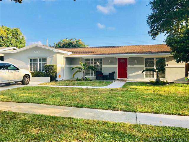 4212 Van Buren St, Hollywood, FL 33021 (MLS #A10708798) :: Grove Properties