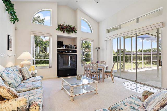 117 SE Turtle Creek Dr, Tequesta, FL 33469 (MLS #A10711467) :: Ray De Leon with One Sotheby's International Realty